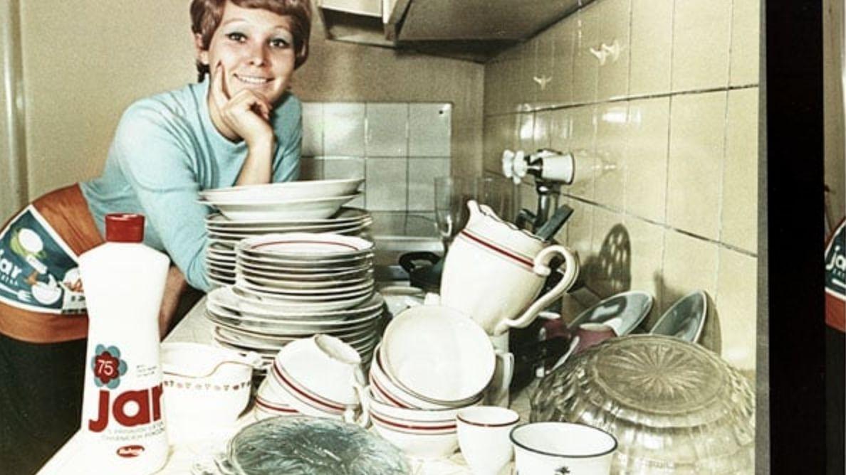 Obrazem: Nejdřív byl citron a sůl. Pak přišla značka, která Čechy naučila mýt nádobí