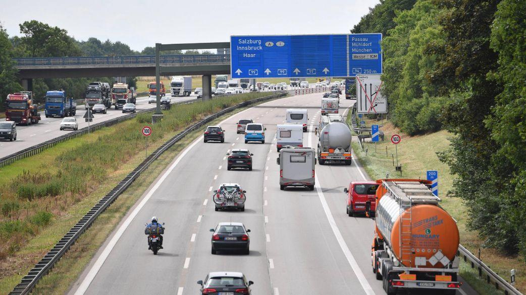 Po dálnici maximálně stovkou. Nizozemsko kvůli emisím sníží rychlostní limit