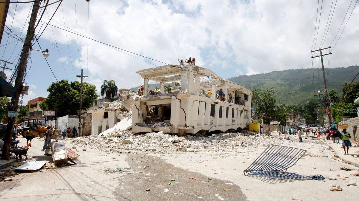 Mrazivé záběry. Ta nejničivější zemětřesení a tsunami roku 2018