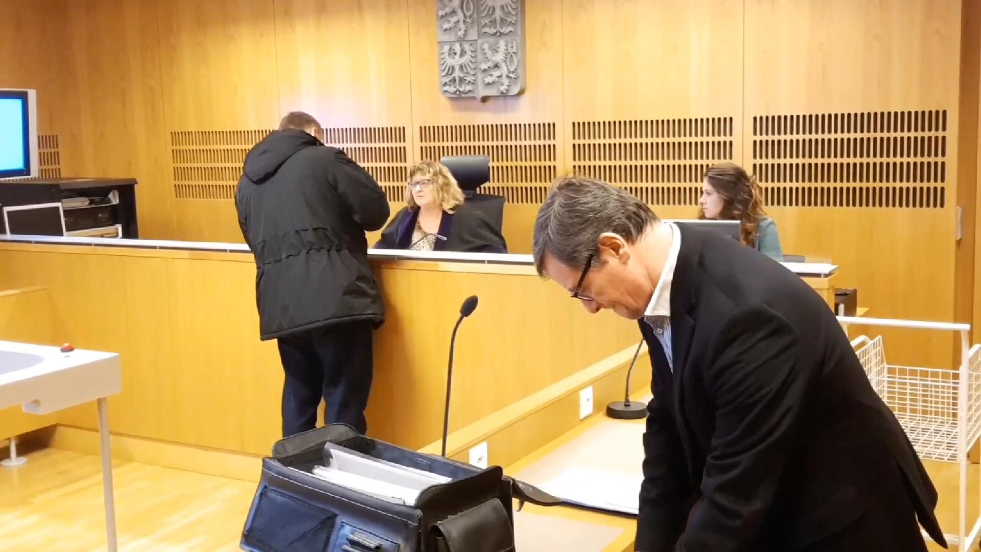 Rath je znovu před soudem. Svlastním bratrem se pře omiliony po otci