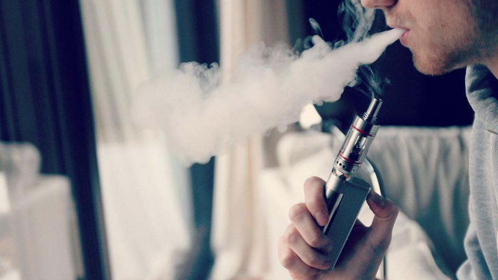 Žádné hnusné obrázky, na e-cigaretách žijí jednorožci. Experti jsou proti