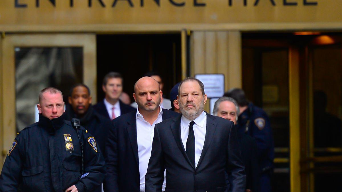 Právníci Weinsteinových obětí mohou dostat víc peněz než ony samotné