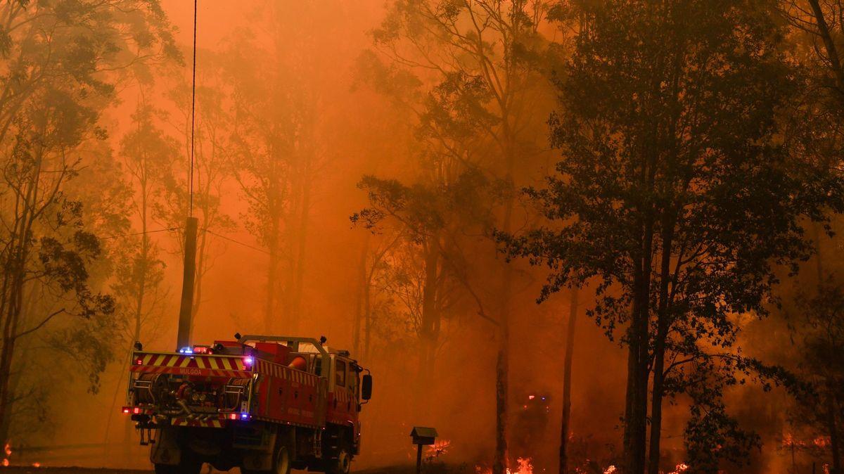 Záběry zhořící Austrálie. Sydney se dusí pod pokličkou kouře a dýmu