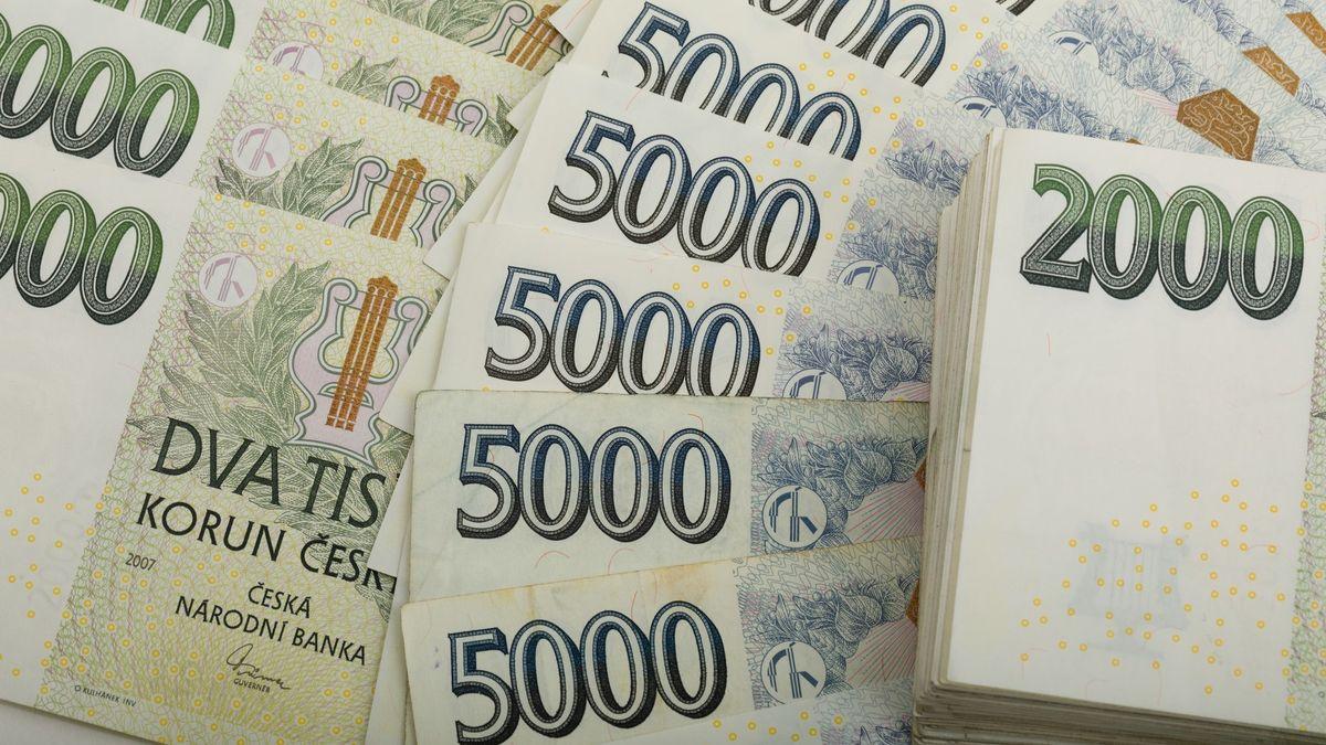 Exekutor se ptá bank, jaký majetek unich má Česko. Jde mu omiliardy