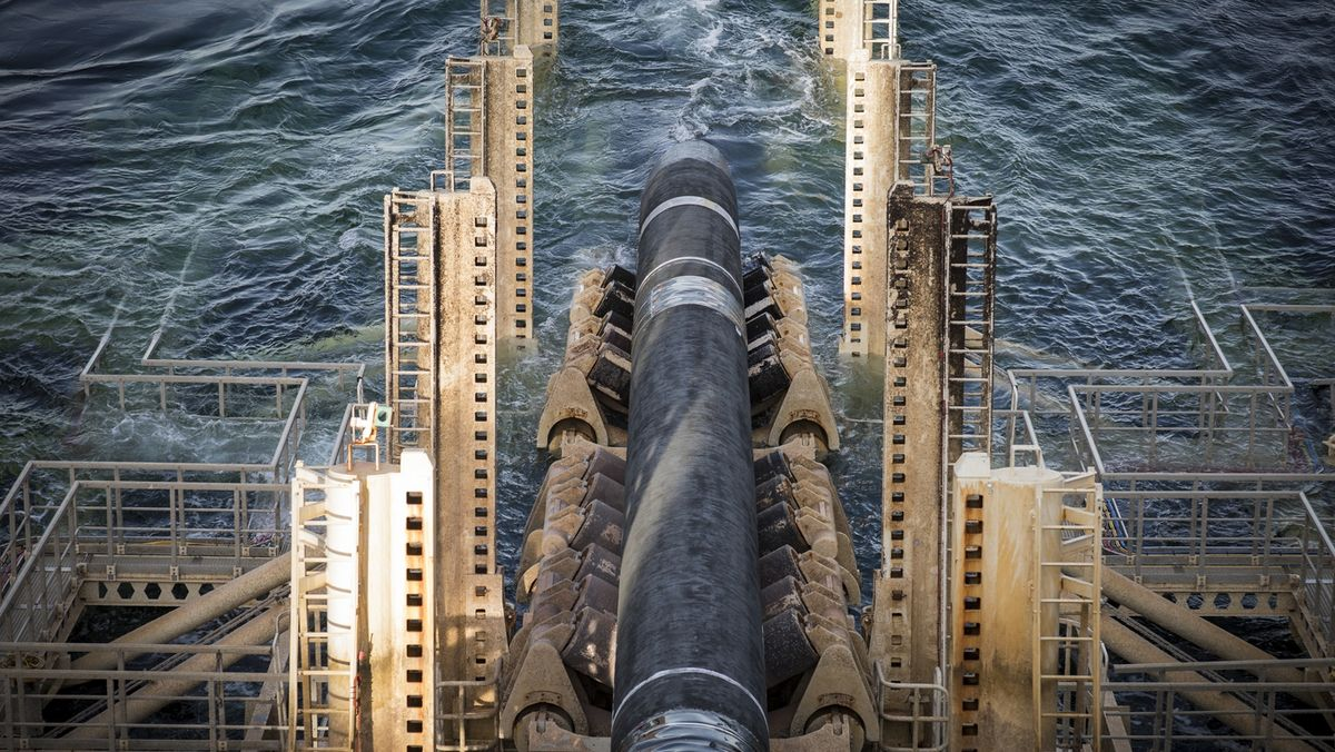 Ukrajině iPolsku navzdory. Poslední část plynovodu Nord Stream 2je svařená
