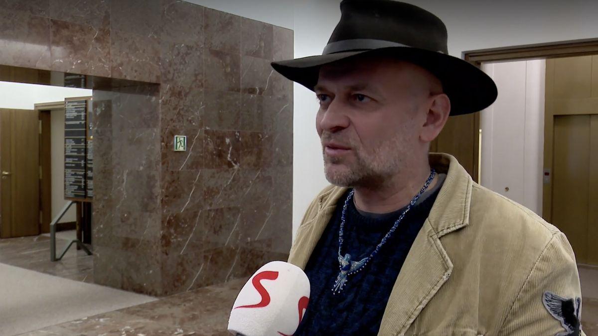 Sněmovna vyloučila Okamurova asistenta Nováka znominací do Rady České televize