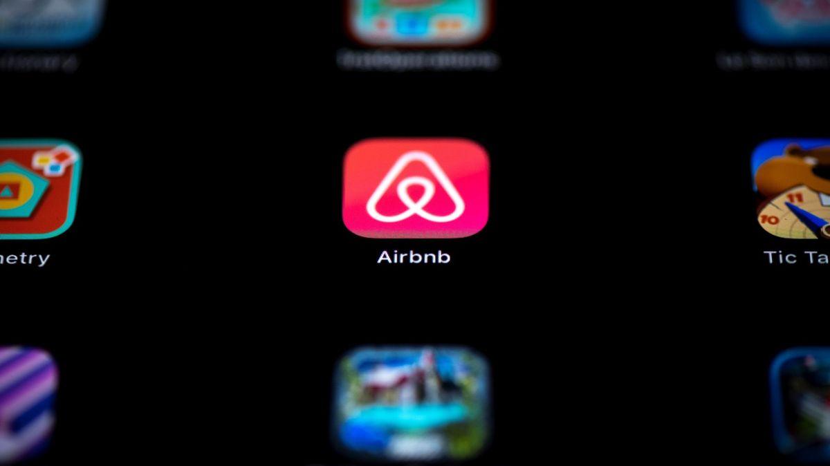 Airbnb se vrací na výsluní. Na burzu jde sdražšími akciemi, než se čekalo