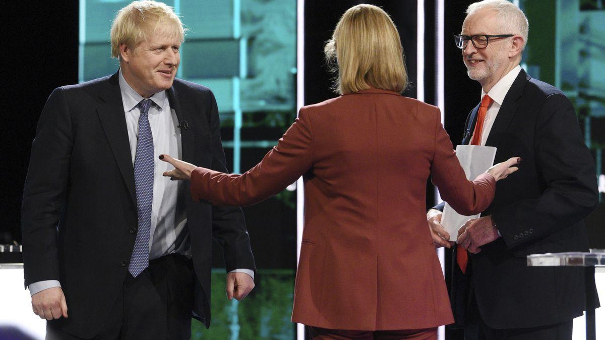 Johnson vs. Corbyn. Lídři nejsilnějších stran Británie se střetli vpředvolební debatě