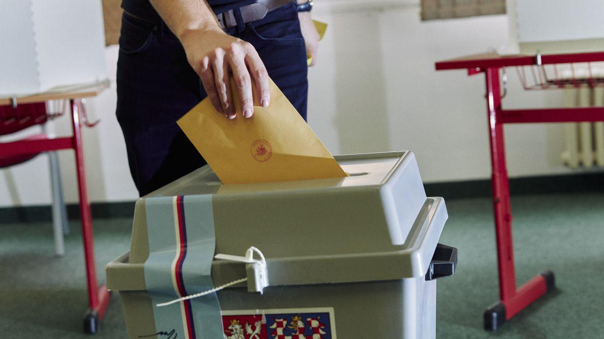 Do Sněmovny se bude idál volit ve 14krajích, schválili senátoři