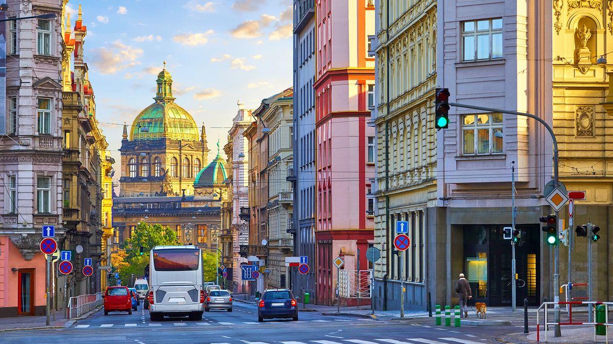 Praha má na semaforu nové bezkontaktní tlačítko pro chodce