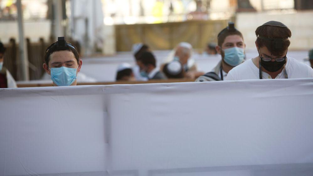 Fotky zJeruzaléma: Zeď nářků se změnila vzeď přepážek