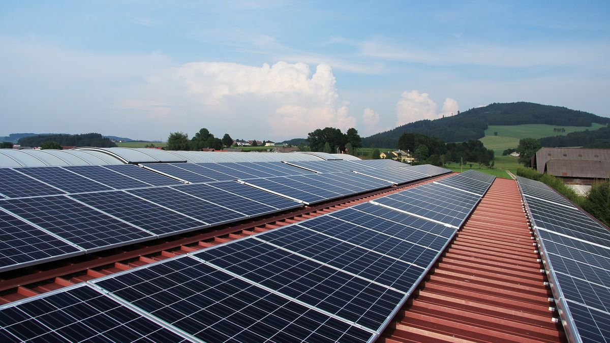 Vláda kouzlí smiliardami pro solární barony
