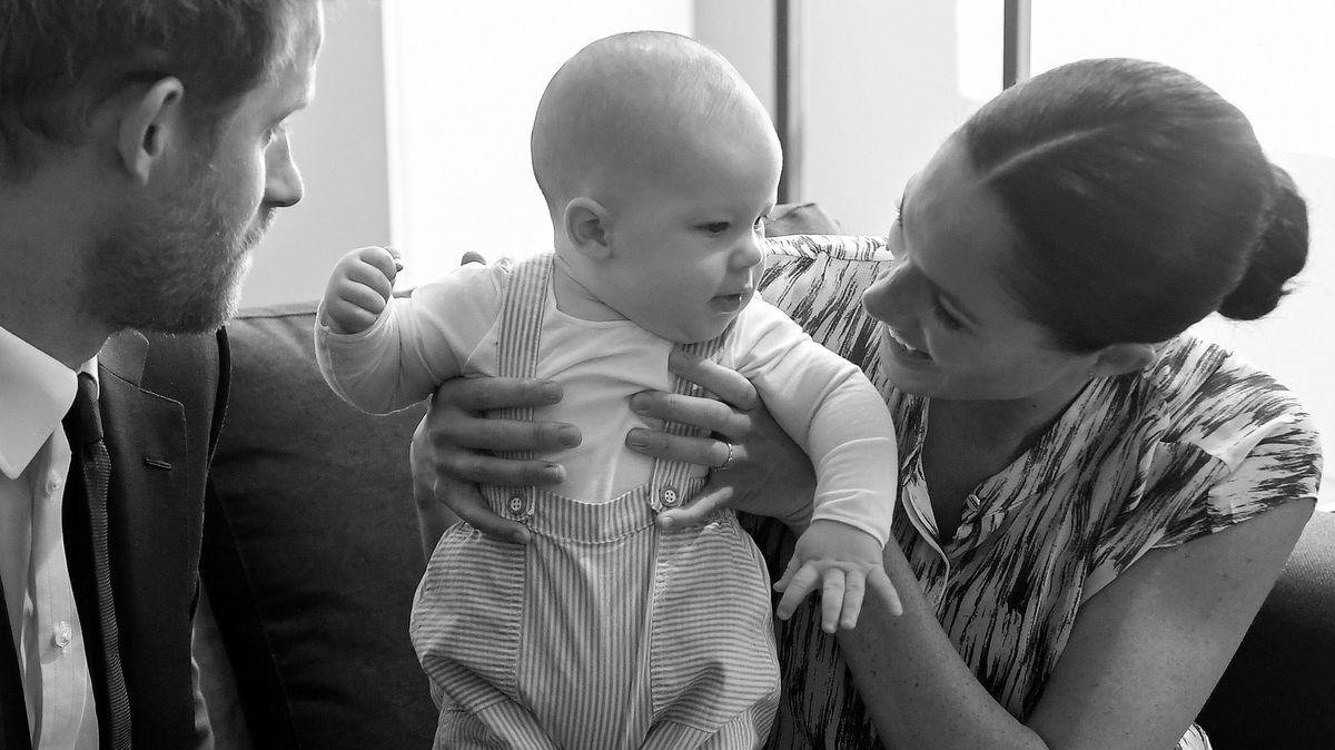 Meghan a Harry zveřejnili na narozeniny syna Archieho roztomilé video