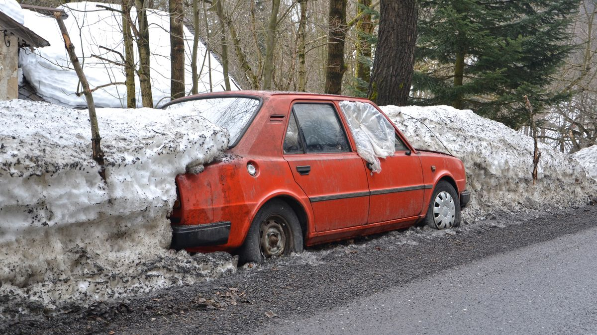 Zulic Jablonce odvezli 680tun sněhu, už ho nebylo kam odhrnout