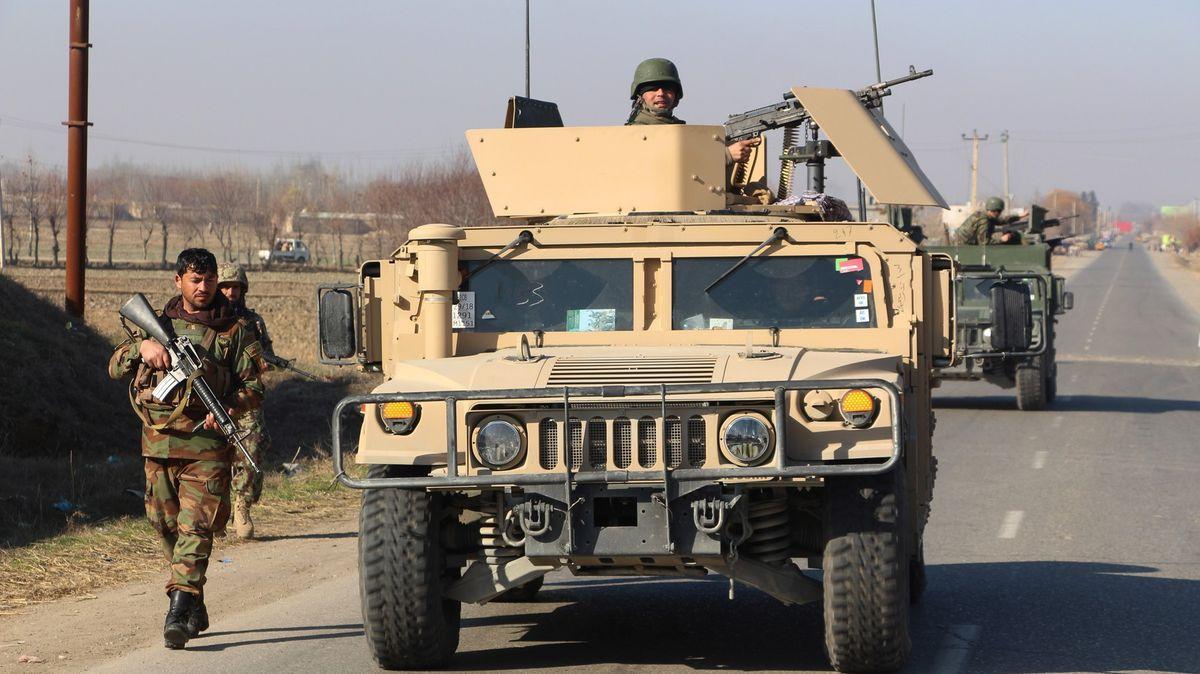 Boje se opět rozhořely. Tálibán zabil 20Afghánců, USA odpověděly útoky
