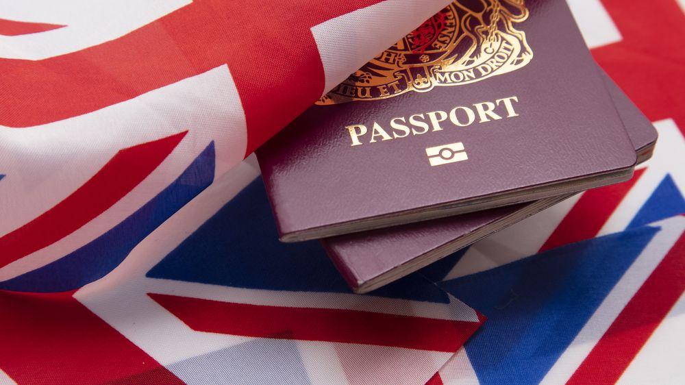 Pobrexitová ironie. Nové pasy Britům vyrobí firma vPolsku podle pravidel EU