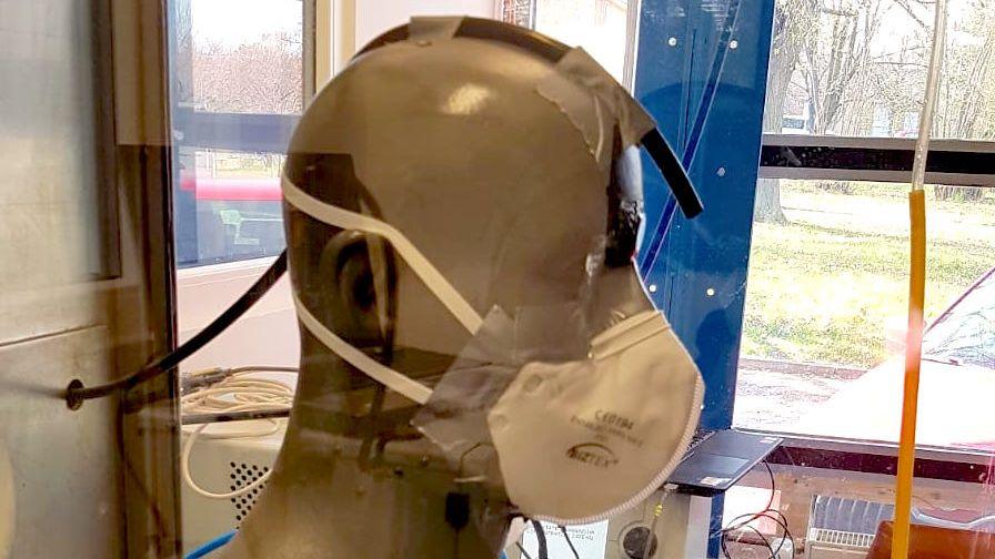 Další podezřelé respirátory za miliony. Tentokrát ve fakultních nemocnicích