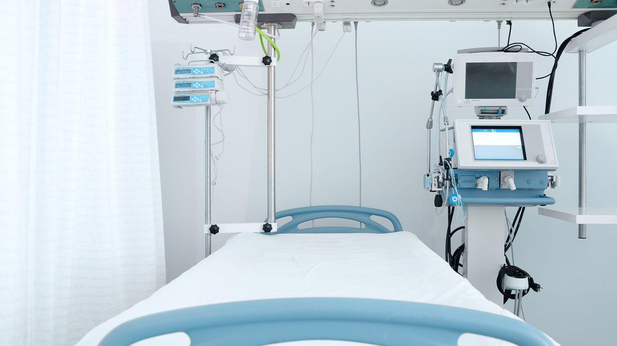 Kalkulátor má předejít blokování lůžek čekajících na covidové pacienty