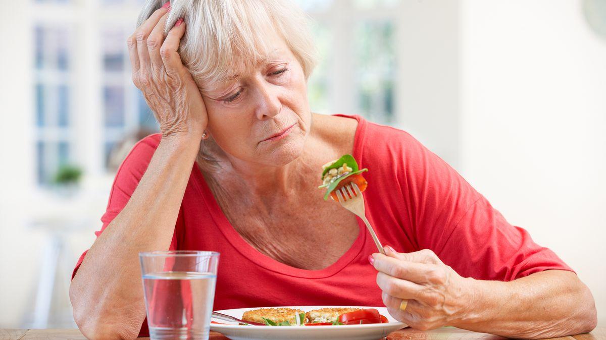 Ztráta čichu či chuti může být příznak COVID-19.Zůstaňte vkaranténě, říkají lékaři!