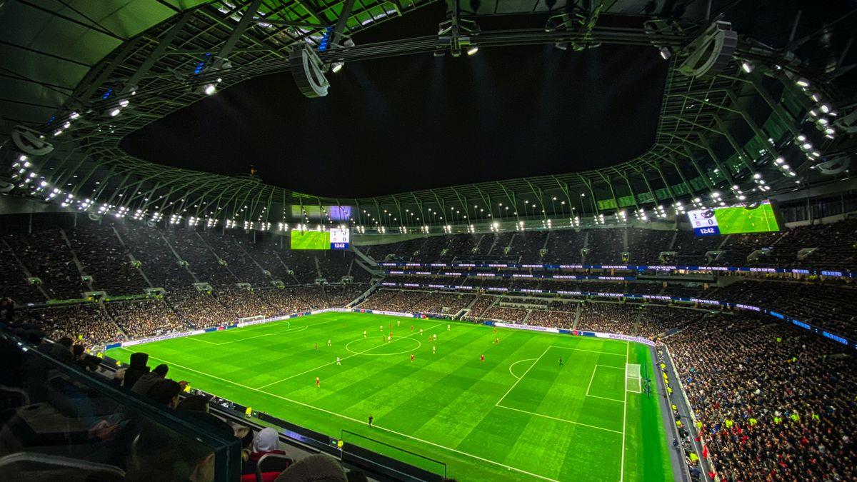 Bohatí Američané sázejí na evropský fotbal. Vynáší lépe než sport doma