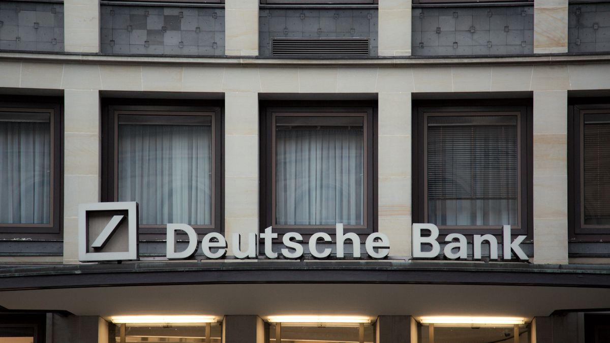 Deutsche Bank měla loni díky investiční divizi zisk 113milionů eur