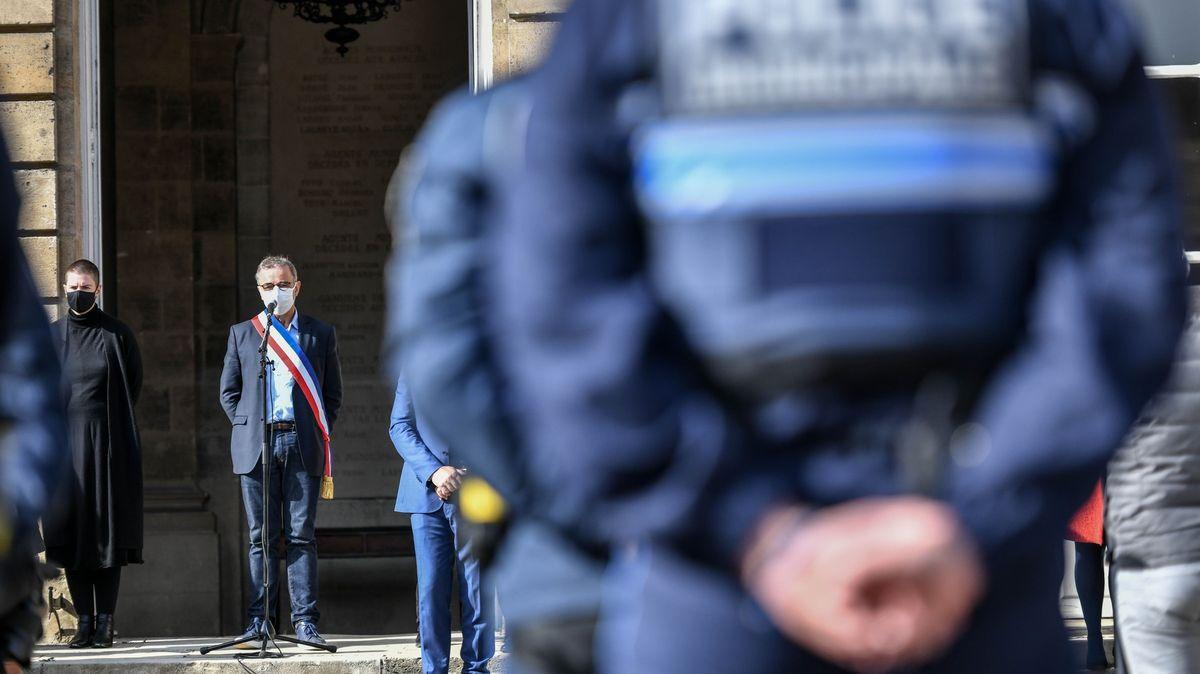 Vražda učitele otřásla Francií. Policie rozjíždí nový boj proti islamistům