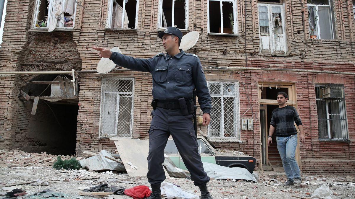 Baku hlásí devět mrtvých při ostřelování, Arménie porušení příměří popírá