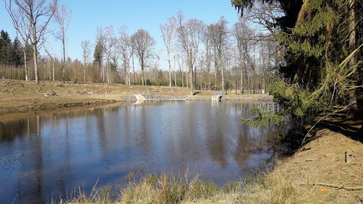 Říčany uPrahy opravily a odbahnily rybník Rozpakov