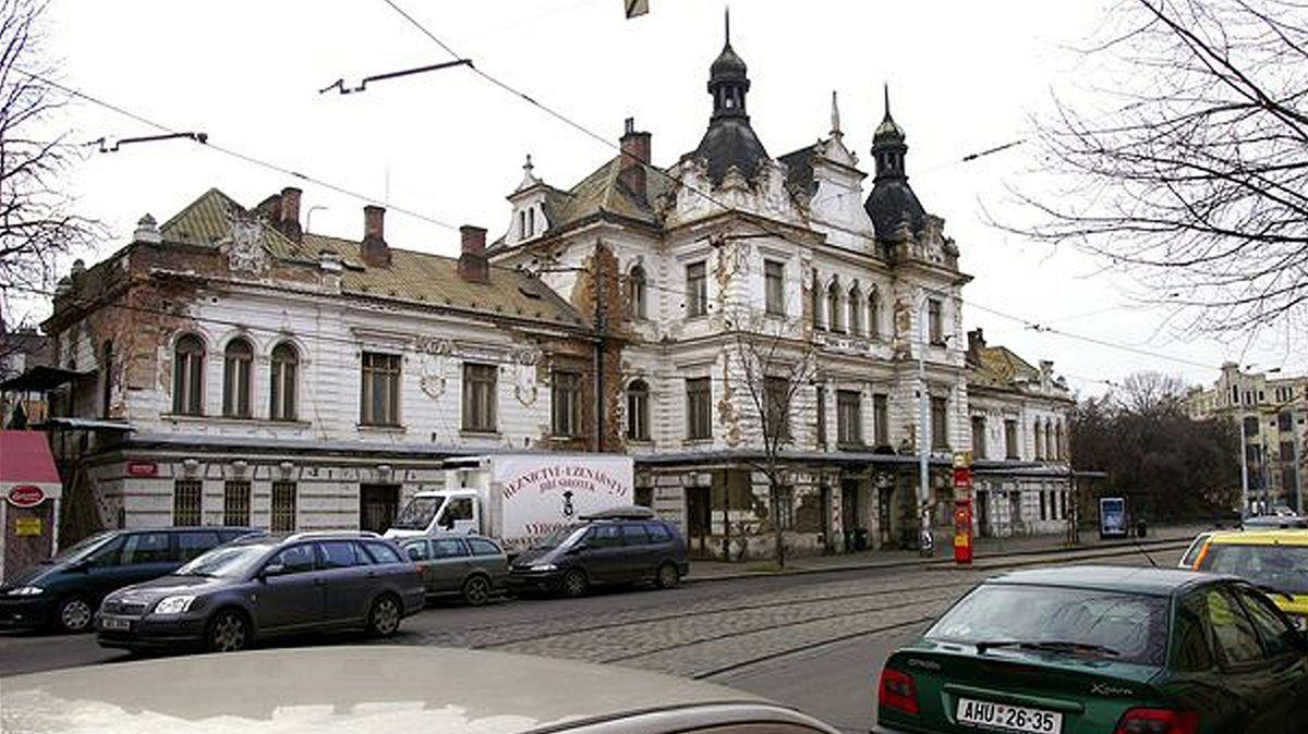 Praha chce nádraží Vyšehrad pro Slovanskou epopej. Ve hře je ivyvlastnění