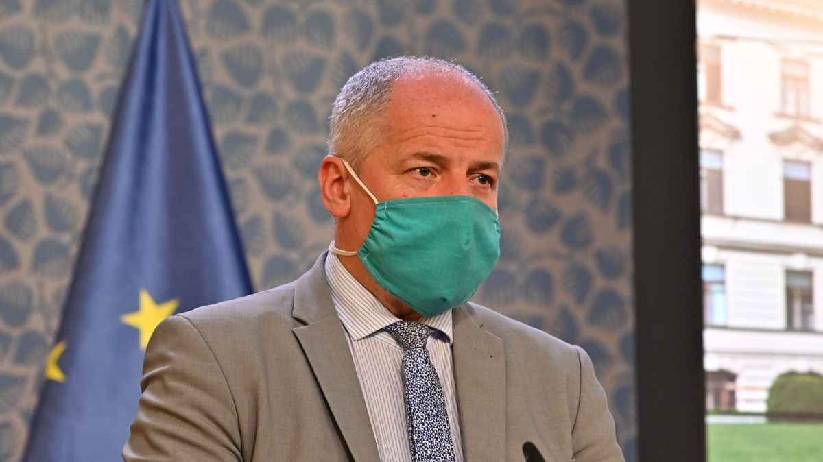 Ministr Prymula pozastavil své živnostenské oprávnění