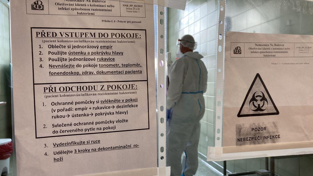 Předpověď: Po italském je tu český scénář, kolaps nemocnic se blíží