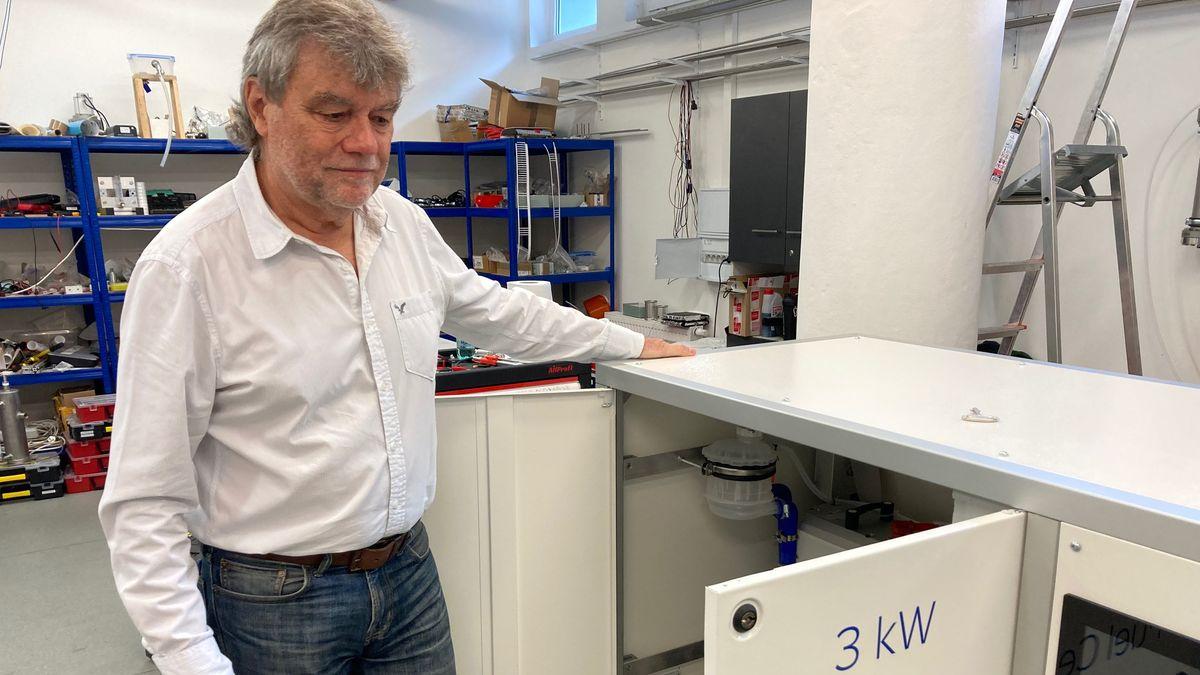 Vodík jede. Majitel Jablotronu Dědek staví vJablonci vodíkový sklad