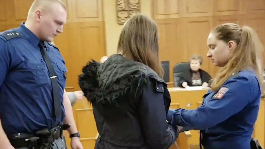 Ošetřovatelka vstříkla pacientce v Boleslavi do žíly vzduch. Soud mluví o eutanazii