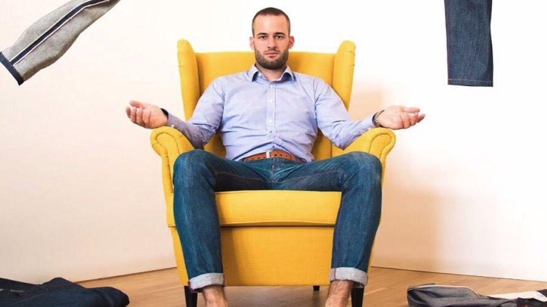 Tohle je džínový král Česka. Podívejte se, jak vznikají kalhoty, které byste chtěli mít