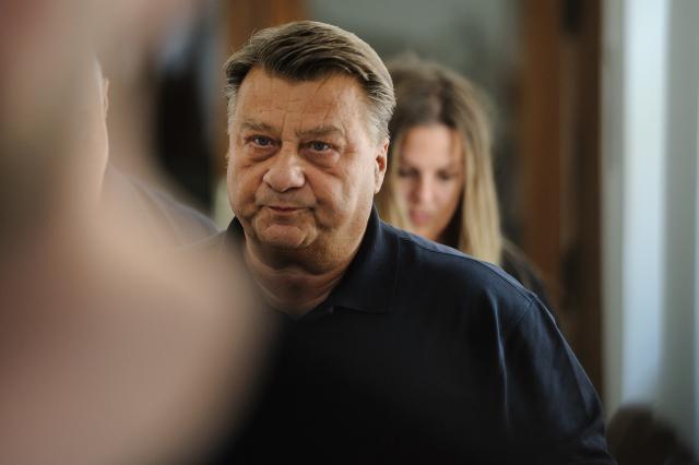 Někdejší přední kriminalista Josef Doucha byl obžalován v korupční kauze