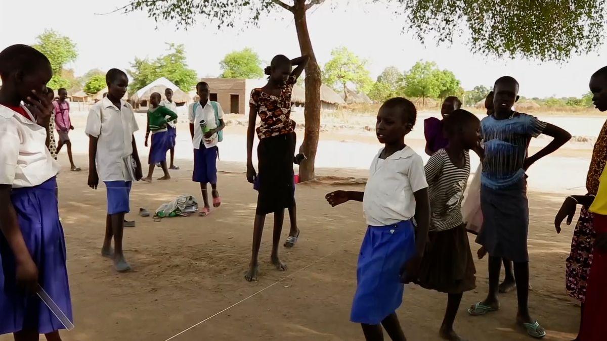 V Súdánu se z milic dostalo na svobodu 200 dětských vojáků. Podle OSN jich je v zajetí celkem 19 tisíc