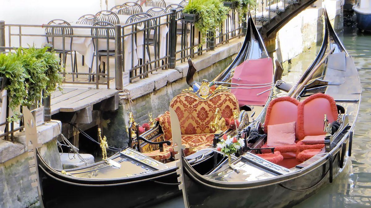 Začínají oslavy Navalis. Nebudou chybět parašutisté ani barokní lodě z Benátek