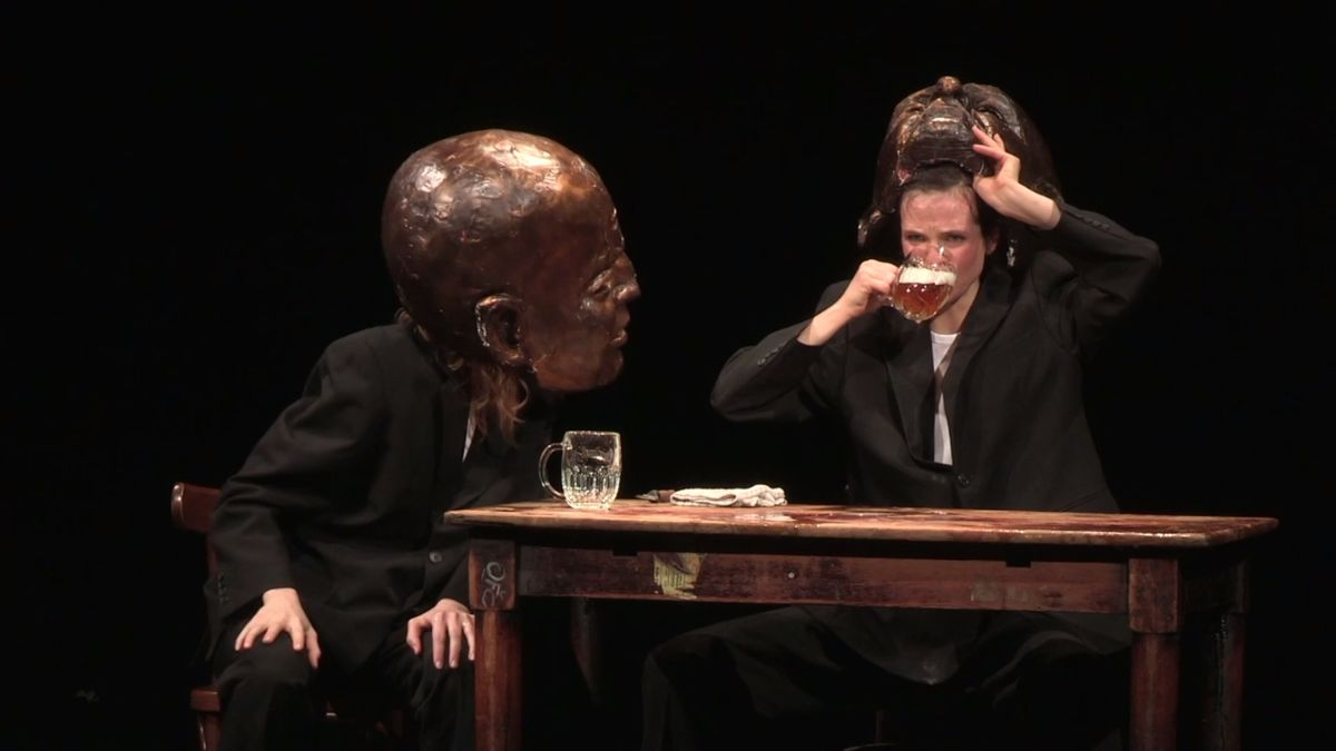 Nejhranější Havel má za sebou 130. reprízu. V hlavní roli alkohol a obrovitánské hlavy