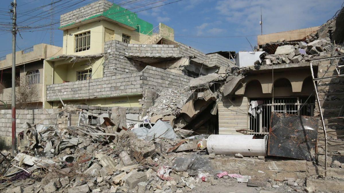 Neteče voda, nejde elektřina, na ulici najdete nevybuchlé bomby. Mosul je mrtvé město