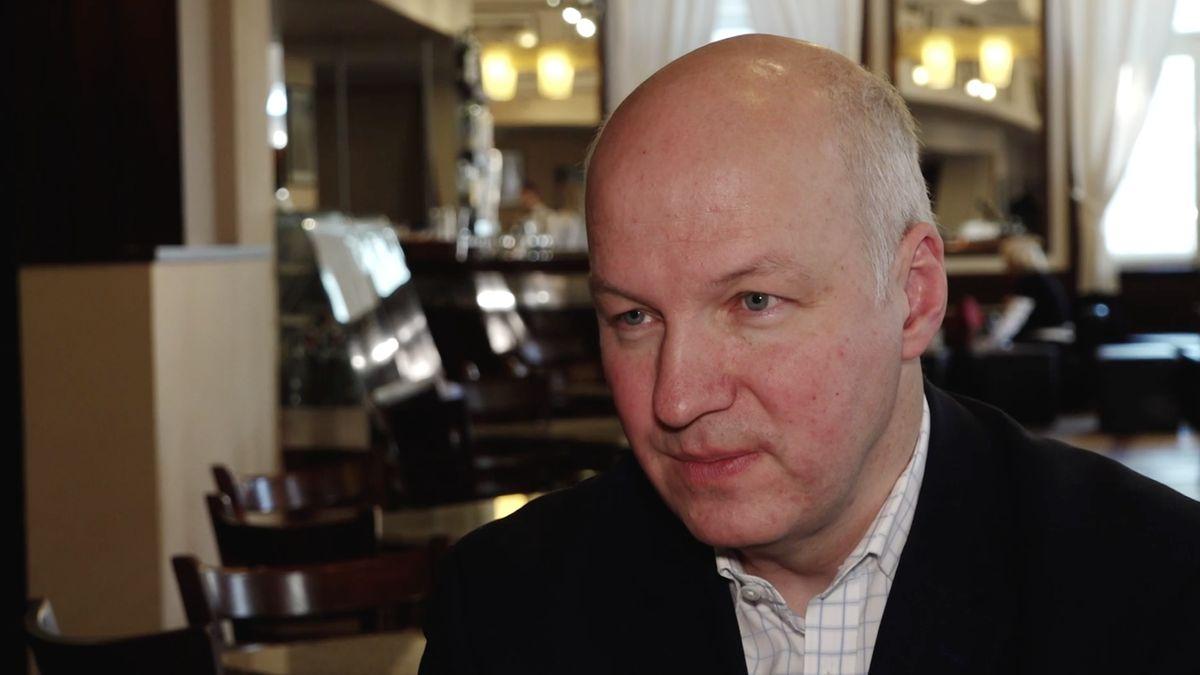 Senátor Fischer chce, aby pročínské aktivity placené firmou Home Credit vyšetřila policie