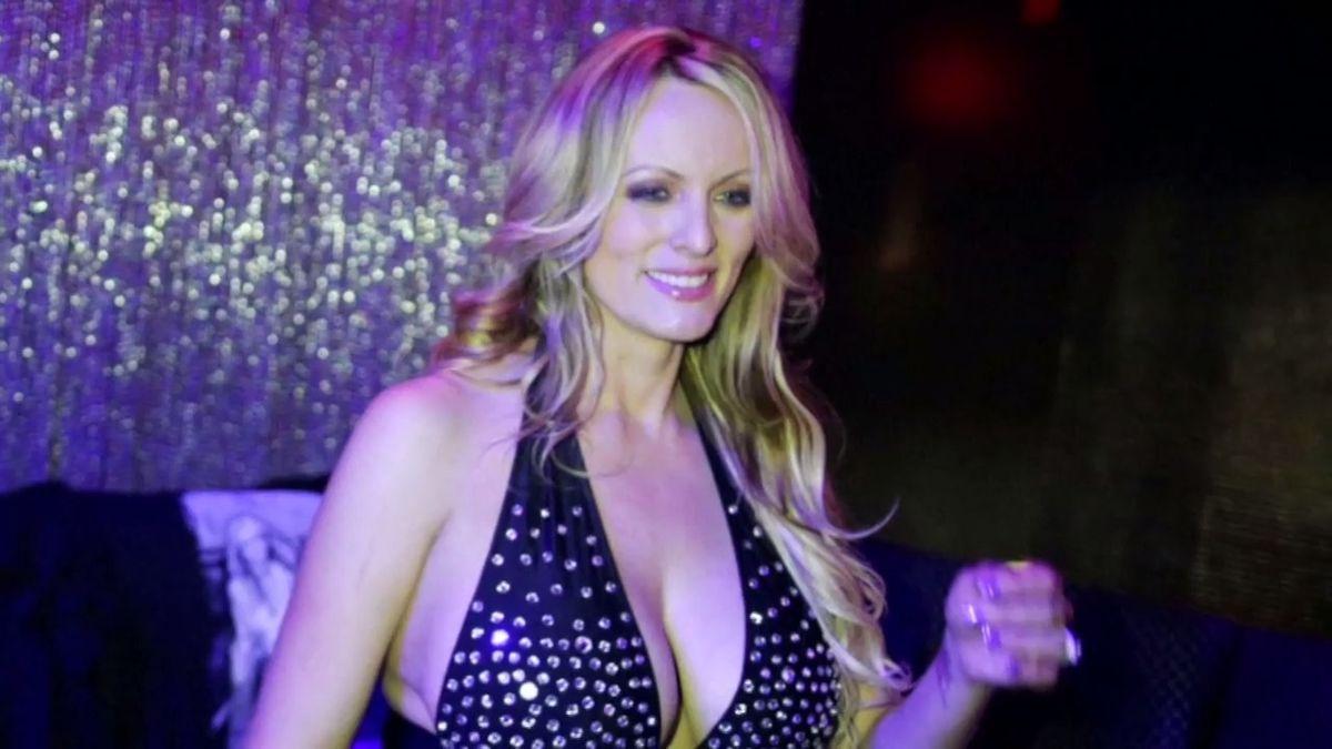 Pornoherečka chce promluvit o údajné aféře s Trumpem. Je ochotná vrátit peníze za mlčení