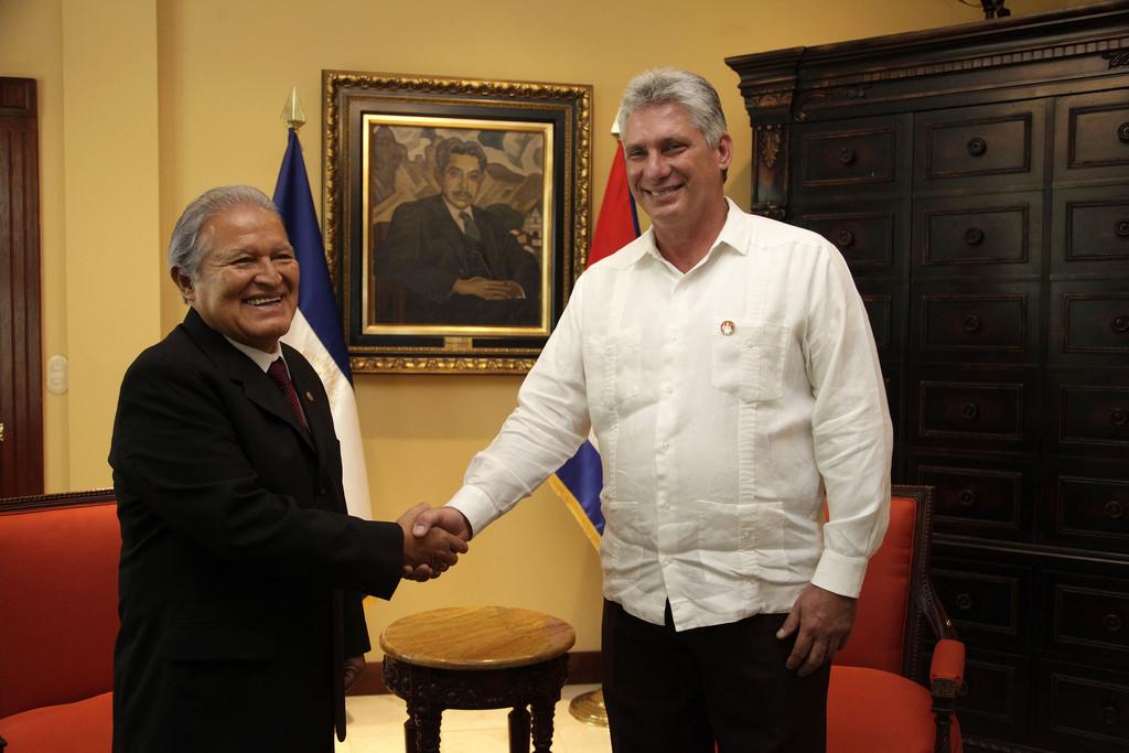 Kubánský parlament volí Castrova nástupce, novým prezidentem Kuby by se měl stát Miguel Díaz-Canel