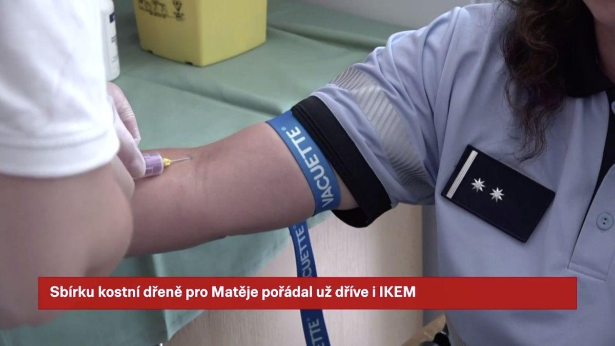 Policisté se hromadně zapojili do akce pro malého fotbalistu, který trpí leukemií