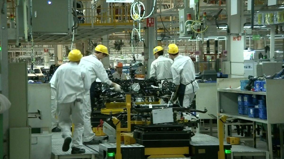 Čínská ekonomika roste pomaleji, než se čekalo. Zpomalení přichází v době eskalace sporů s USA