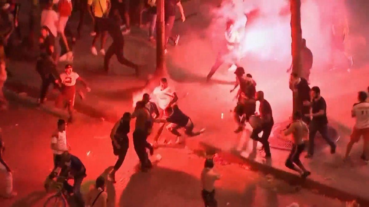 Při oslavách ve Francii zemřeli dva lidé a rozvášněný dav raboval