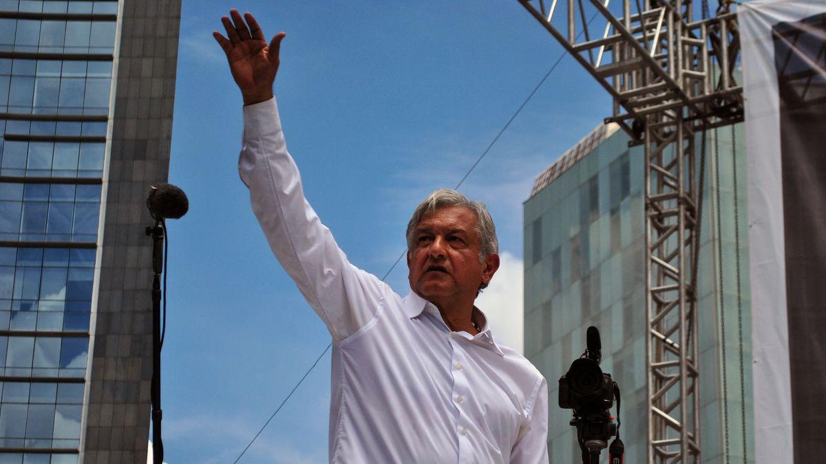 Mexiko má nového prezidenta. Levicový López Obrador získal více než polovinu hlasů
