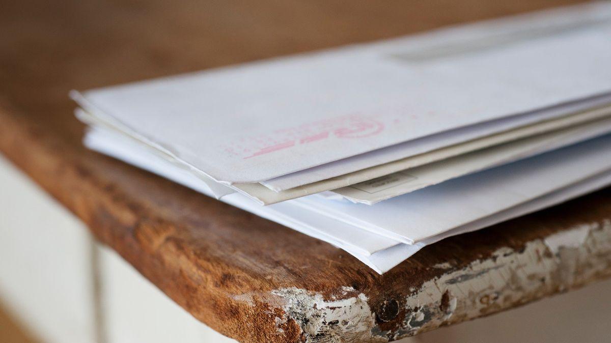 Skupina indických dětí našla tisíce dopisů, které pošťák záměrně nedoručoval