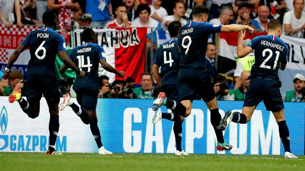 Fotbalové planetě už kraluje Francie, ve finále bohatém na góly přestřílela 4:2 unavené Chorvaty