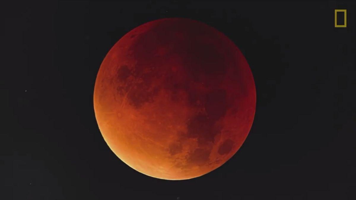 Čeká nás rekordní zatmění Měsíce. Podívejte se, jak bude probíhat