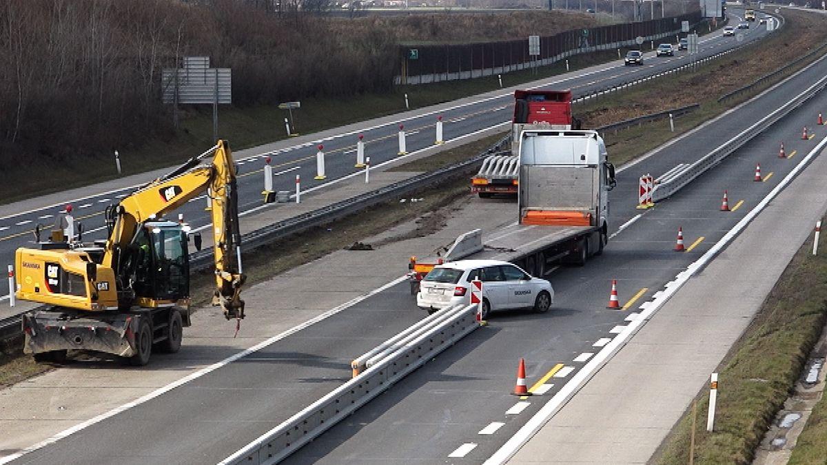 Nová dálnice D3 zahýbá scenami pozemků, její stavba ipřes Babišův slib ale nabírá zpoždění